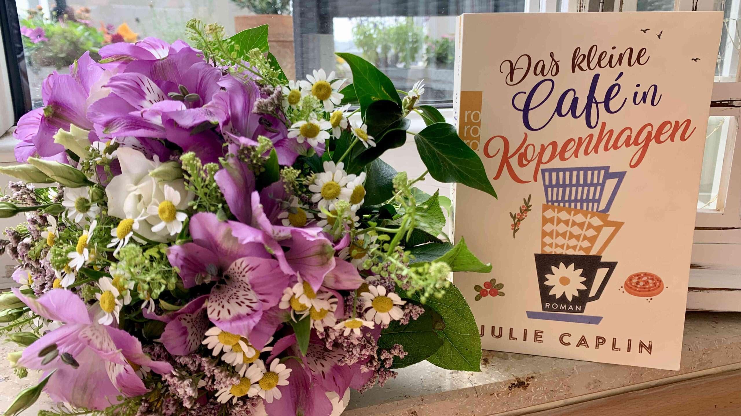 """You are currently viewing """"Das kleine Café in Kopenhagen"""" von Julie Chaplin"""